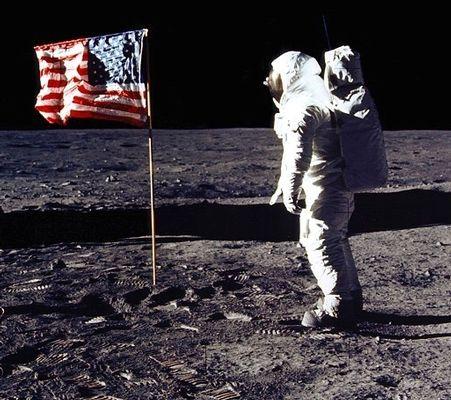 moonflag4